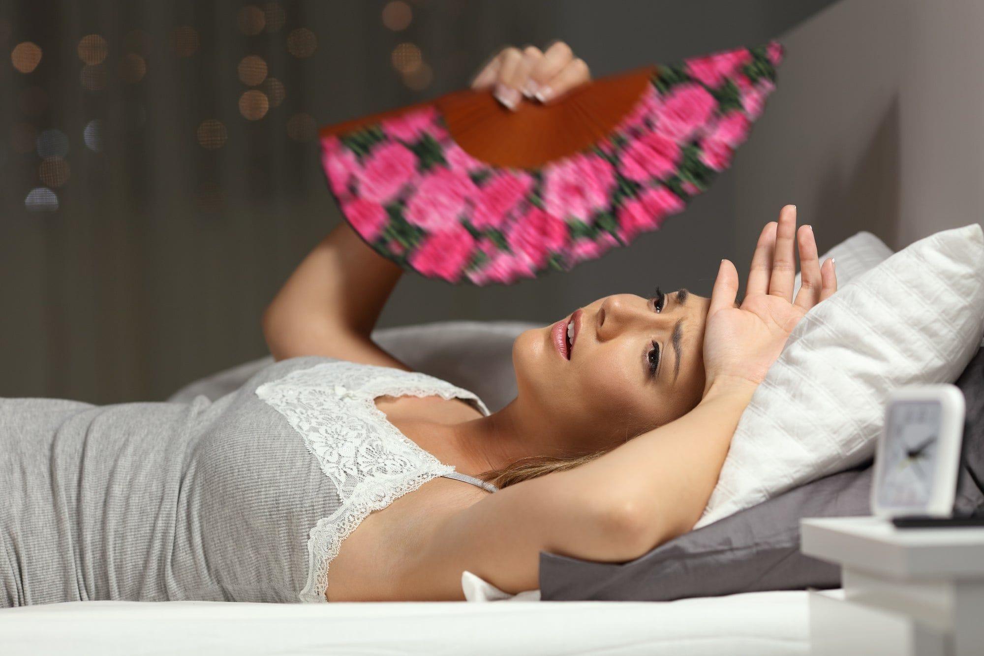 Resultado de imagem para suar na cama